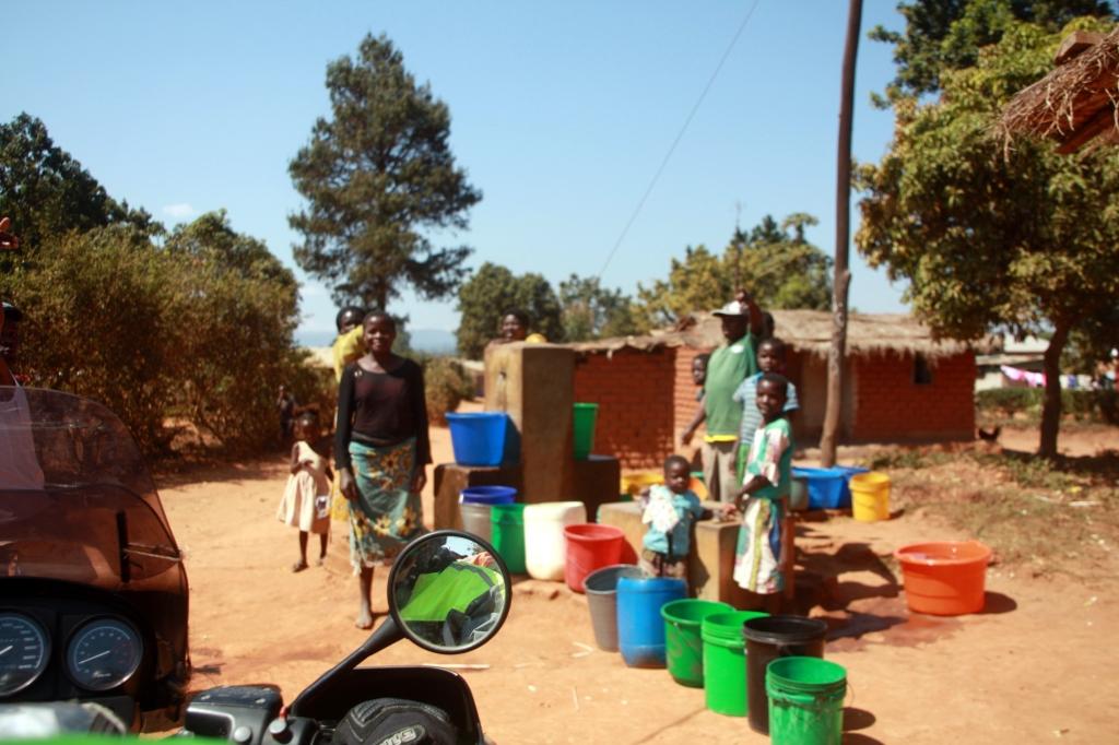 On dirt roads through Mzuzu